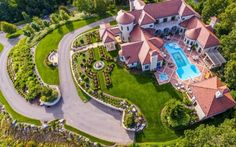 $10 Million Italian Inspired Mansion On 35 Acres In Pittsburgh, PA