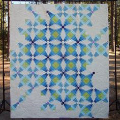 Tale of a Group Project Pineapple Quilt - Bananas for Ananas using Gigi's Thimbles pineapple paper pieced foundations Patchwork Quilting, Scrappy Quilts, Longarm Quilting, Quilting Projects, Quilting Designs, Quilting Ideas, Blue Quilts, Easy Quilts, Sewing Projects