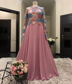 ideas for wedding dresses modest hijab Hijab Dress Party, Party Wear Dresses, Event Dresses, Dress Outfits, Indian Gowns Dresses, African Fashion Dresses, African Dress, Muslimah Wedding Dress, Modest Wedding Dresses