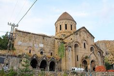 oshki monastery, georgian church ruin, turkey country - Click photo to visit site and view larger image Turkey Country, Byzantine Architecture, Click Photo, Georgian, Barcelona Cathedral, Notre Dame, Abandoned, History, Building
