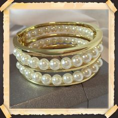 Pearl & Gold Hinged Cuff Bracelet!  Beautiful! Pearl & Gold Hinged Cuff Fashion Bracelet!  Beautiful! Excellent Quality!  New! Jewelry Bracelets