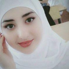 Beautiful Muslim Women, Beautiful Hijab, Hijabi Girl, Girl Hijab, Arab Girls, Muslim Girls, Dehati Girl Photo, Muslim Beauty, Arabian Beauty