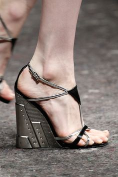 Prada Fall 2014 Ready-to-Wear - Details - Gallery - Style.com