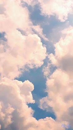 Iphone Wallpaper Tumblr Aesthetic, Aesthetic Pastel Wallpaper, Aesthetic Backgrounds, Aesthetic Wallpapers, Blue Sky Wallpaper, Cloud Wallpaper, Iphone Background Wallpaper, Pretty Sky, Beautiful Sky