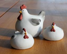 Fantastic Free of Charge Ceramics pottery pinch pots Thoughts Relaterad bild Pottery Animals, Ceramic Animals, Ceramic Birds, Clay Animals, Ceramic Pottery, Pottery Art, Ceramic Art, Ceramic Chicken, Cerámica Ideas