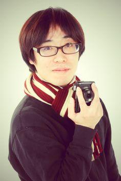 ゲスト◇新納翔(Sho Niiro)1982年横浜生まれ。奈良原一高氏の写真に魅せられ写真家を志す。国内外写真展多数。写真集に「山谷」(ZenFotoGallery)、「AnotherSide」(LibroArte)、「築地0景」(ふげん社)等がある。築地市場は撮影の為に警備員会社に就職し、内側からの視線で2年間撮り続けた。川崎市民ミュージアムや早稲田大学にて講師も務める。500px公式フォトグラファー。