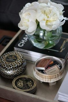 8 Reasons You Can Never Have Too Many Catchalls - Decorative Tray - Ideas of Decorative Tray - Gold silver tray chinois handles styling candle matches peonies! Tray Styling, Coffee Table Styling, Decorating Coffee Tables, Coffee Table Books, Styling Tips, Coffee Mugs, Tray Decor, Decoration Table, Decor Pillows
