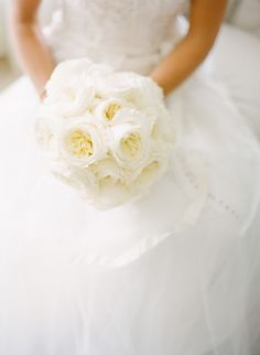 Ivory English Garden Rose Bouquet Photography: KT Merry Photography - ktmerry.com  Read More: http://www.stylemepretty.com/2014/04/24/a-classic-farm-wedding-in-pennsylvania/