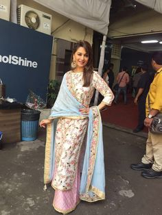 Glam Gal - Madhuri Dixit - Nene Glam Point - So you Think You Can Dance Glam Tip - Floral print is the best way to rock an Indian Outfit -Your Glam Pal, Bee & Blu by Srishti
