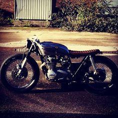 "@monsieur_machine's photo: ""For sale / À vendre Make me an offer. Location Belgium. Possible to ship worldwide. Offer by dm.  A vendre. Possibilité d'envoi. Offre en message privé. . . . # #croig #cafemoto #Cafe #cb500 #cb550 #CB750 #CafeRacer #bratstyle #caferacerxxx #cafeculture #bikeexif #caferacersofinstagram #firestonedeluxe #moto #motorbike #motorcycle #dropmoto #bike #bikersofinstagram #biker #cb #bikes #custom #customs #caferacerworld #bratcafe #vintage #caferacerporn"""