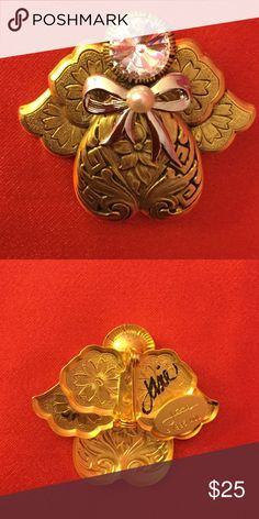 """Angel pin Gold tone accented by large Swarovski crystal. Hand signed by artist Jane Davis for Tidings of Love. A lot of these pins were worn by Della Reese as Tess in """"Touched By An Angel"""" Tidings of Love Jewelry Brooches"""