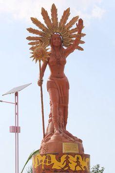 #Anacaona statue in her home town Cité d'Anacaona de la ville de Léogane, (formerly named Yaguana) Haiti. The statue is placed in Place d'armes de Leogane.