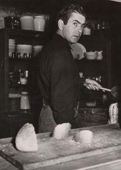 """Tyrone Power en el rodaje de """"El Correo del Infierno"""" (Rawhide), 1951"""