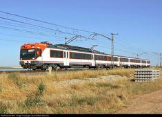 Renfe 470 at Toledo, España by Jaume Marti Barroso