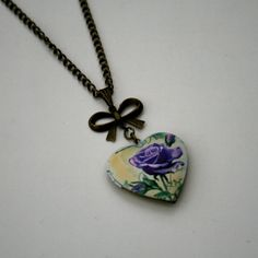 Purple Rose Locket Necklace Floral Necklace di LaurasJewellery