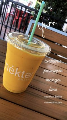 Anti-inflammatory smoothie Juice Smoothie, Smoothie Drinks, Detox Drinks, Healthy Smoothies, Healthy Drinks, Healthy Recipes, Smoothie Mix, Juice Diet, Healthy Foods