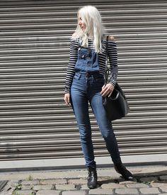 Latzjeans, Streifenshirt, Boots, Mansur Gavriel, off shoulder, Look, Outfit, Style, Fashion, Summer, Blog, stryleTZ