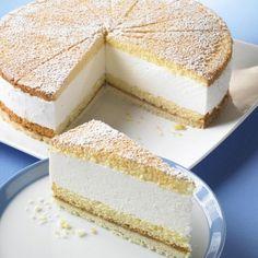 Eine cremige und beliebte Torte mit Speisequark und Sahne