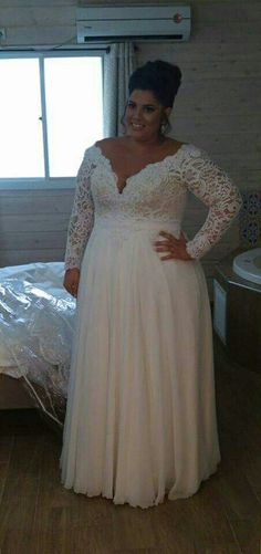 Real plus size bride from Studio Levana.