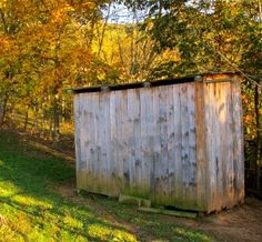 How to Make a Pallet Barn - The Free Range Life