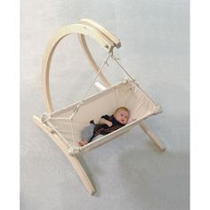 Whether in the house or in the garden. Your baby can always be around with the baby hammock Kaya Nat Baby Furniture, Metal Furniture, Cool Furniture, Furniture Stores, Furniture Dolly, Furniture Companies, Baby Hammock, Baby Swings, Swinging Chair