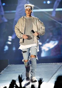 "Justin Bieber wearing Fear of God Collection Bomber, Fear of God Collection Selvedge Denim Vintage Indigo Jean, White Lines Clo. Bandana, Fear of God S/S Mockneck Sweatshirt, Adidas Ultra Boost Sneakers Ensuave - ""Silence is not weakness"" 🌚🌚✊✊✊✊🌚🌚🌚 Justin Bieber Outfits, Justin Bieber Moda, Justin Bieber Style, Justin Bieber Photos, Justin Bieber Bandana, Bruna Marquezini, Style Masculin, Outfits Hombre, Kanye West"