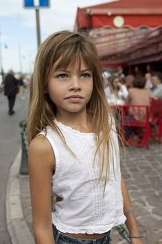 Thylane Lena-Rose Blondeau on We Heart It Toddler Haircuts, Little Girl Haircuts, Haircuts With Bangs, Little Girl Bangs, Toddler Bangs, Beautiful Little Girls, Beautiful Children, Little Girl Pictures, Star Francaise