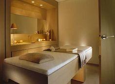 Anne Semonin Spa at Hotel Le Bristol, Paris Sleek yet calming spa design. Massage Therapy Rooms, Massage Room, Spa Massage, Cabine Sauna, Schönheitssalon Design, Design Ideas, Le Bristol, Hotel Bristol, Spa Interior Design