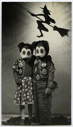 creepy vintage halloween photos - scary kids costumes - mickey mouse, disney masks