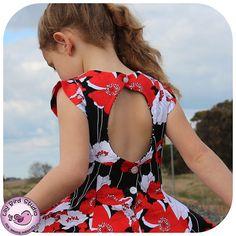 robe qui tourne avec décolleté dos