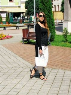 Black and white with touch of blue - outfit - ootd
