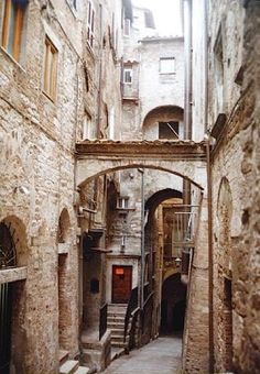 Perugia Italy is one of my most favorite, magical spots ~ crazy steep winding back streets too narrow for cars with tiny amazing shops full of hand made paper and leather goods. Places To Travel, Places To Visit, Best Places In Italy, Perugia Italy, Italy Art, Regions Of Italy, Visit Italy, Rest Of The World, Travel And Leisure