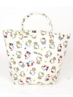 nina mew [先行受注] *kitty総柄ジェリートート ¥14,700(税込) http://www.stylife.co.jp/sf/item?model_cd=928864