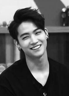 Ahhh he should always smile like that!!!!!!
