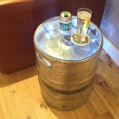 Upcycled Silver Beer Keg Table- Dave's Man Cave. I think I can figure this out.