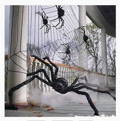 Giant Furry Tarantula Spider Halloween Prop Decoration Prop Poseable Fancy Dress