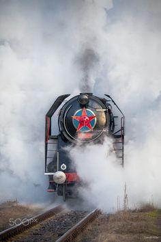 škoda 475.179 Electric Locomotive, Steam Locomotive, Train Times, Train Engines, Steam Engine, Train Tracks, Civil Engineering, Transportation, Scenery