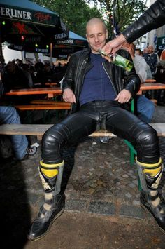 """allgayfetish: """" roguesub: """" I so want to be on my knees and licking that beer off his leathers. Mens Leather Pants, Leather And Lace, Black Leather, Biker Love, Bike Leathers, Leder Outfits, Gay, Male Models, Hot Guys"""
