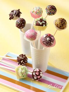 #Kuchen am Spieß: Unsere COMTESS #Cakepops. // Sweet treat on a stick - our cake pops. #baking #recipe #Bahlsen #LifeIsSweet