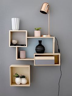 Eye-Opening Cool Tips: Floating Shelf Decor Kitchen long floating shelves sinks.Floating Shelves Above Couch Farmhouse wooden floating shelves kitchen.Floating Shelves Above Couch Farmhouse. Decor Room, Bedroom Decor, Wall Decor, Bedroom Furniture, Bedroom Shelves, Apartment Furniture, Bedroom Inspo, Home Decor Shelves, Furniture Showroom