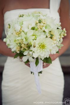 White...and full-on texture. #wedding #bouquet