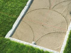 Laying paving stones: step-by-step instructions plus sample - Laying paving sto. - Laying paving stones: step-by-step instructions plus sample – Laying paving stones: Instructions - Paving Stone Patio, Paving Stones, Concrete Patio, Backyard Patio Designs, Yard Landscaping, Landscaping Ideas, Small Front Gardens, Diy Deck, Love Garden