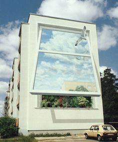 Eine von 6 Wandmalereien in Hennigsdorf bei Berlin.