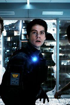 """ Dylan O'Brien as Thomas on Maze Runner: The Death Cure Production Stills "" The Maze Runner, Maze Runner Thomas, Dylan O'brien Maze Runner, Thomas Brodie Sangster, Stiles, Tris E Quatro, Dylan O Brien Cute, Teen Wolf Dylan, Teen Wolf Boys"