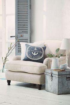 Coastal home trend - a classic colour scheme of crisp whites, cool greys & soft blues #StylishLounge