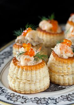 "Russian Monday: ""Volovan s Gribamy"" – Vol-au-vents with Creamy Mushroom & Shrimp Filling – Cooking Melangery Vol Au Vent, Creamy Mushrooms, Stuffed Mushrooms, Caviar, Tapas, Cooking For One, Russian Recipes, Fish And Seafood, Relleno"