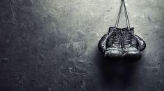Hoje vamos falar do Boxe, mais especificamente sobre sua história, origem e seus primeiros passos... Socos na verdade. O boxe ou pugilismo é descrito desde os primeiros homens na Terra que, em um ato de raiva ou defesa, fechou as mãos e acertou alguém com um soco. Portanto este é um esporte de contato, de combate, no qual os lutadores usam apenas os punhos, tanto... #ahistoriadoboxe #boxe #saúde