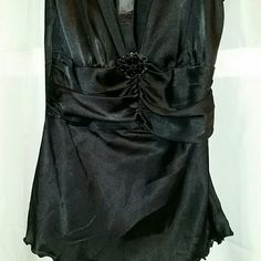 BISOU BISOU Sexy Dressy Black Tank Size 2 EUC BISOU BISOU Sexy Dressy Black Tank.Size 2. EUC. Sexy alone, or office wear with a jacket on top!  **This is part of my 'Pre Spring Break Sale** No trades  No off-site transactions  Price absolutely firm unless you bundle Bisou Bisou Tops