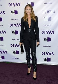 I love the leather accents. And Stacey Keibler is just all American crazy hot. Fashion On The Divas Red Carpet Catwalk Fashion, Fashion Models, High Fashion, Fashion Show, Stacey Keibler, Divas, World Championship Wrestling, Monique Lhuillier, Famous Faces