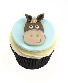 horse riding themed cupcakes, fondant horse, fondatn horse face, birthday cupcakes, horse themed cakes, horse themed cupcake